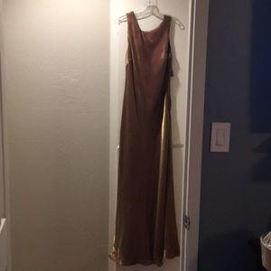 Dresses & Skirts - Shiny gold evening/prom dress